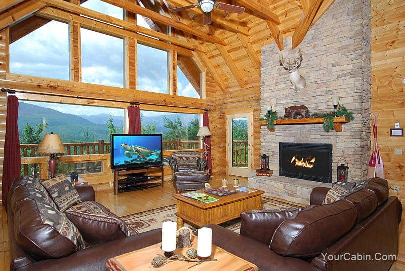 Heavenly Heights cabin living room in the beautiful Smoky Mountains