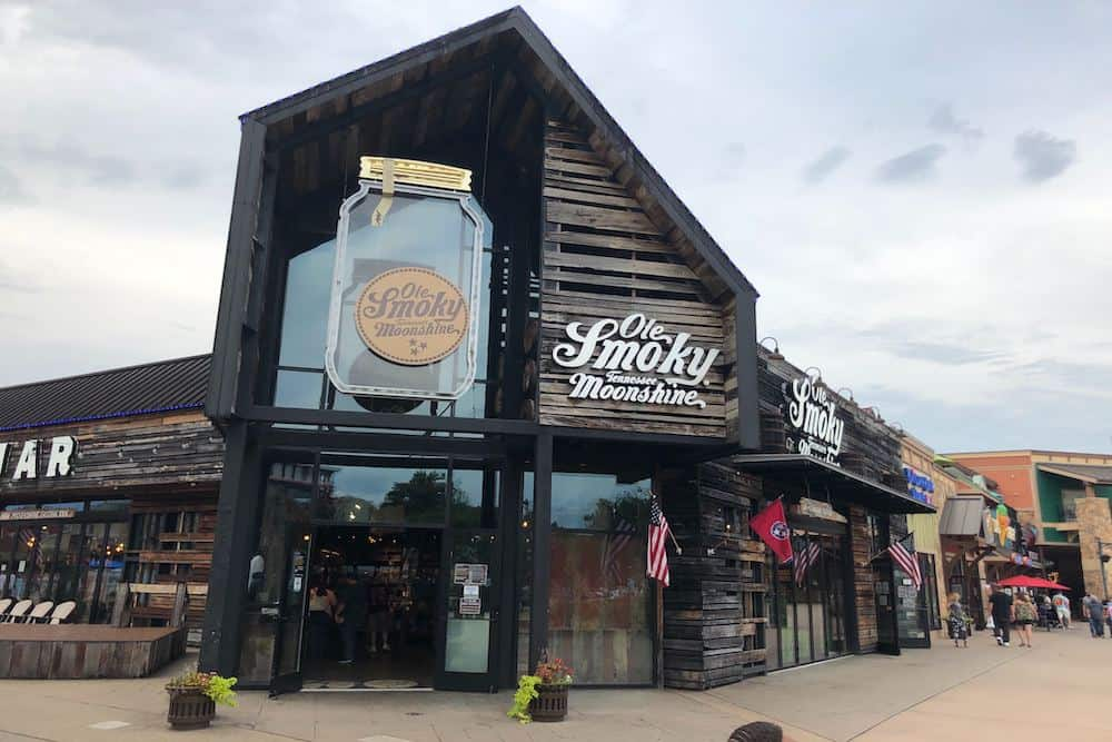 6 Awesome Distilleries in Pigeon Forge and the Smoky Mountains