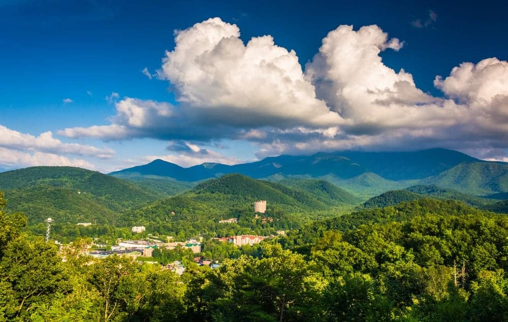 Scenic photo of Gatlinburg and the Smoky Mountains.