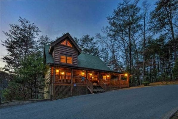 The Enchanted Forest cabin in the Smokies for rent.