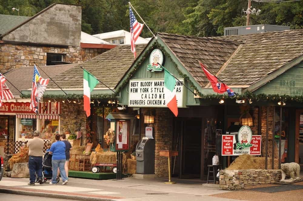 7 Best Italian Restaurants in Gatlinburg and the Smoky Mountains