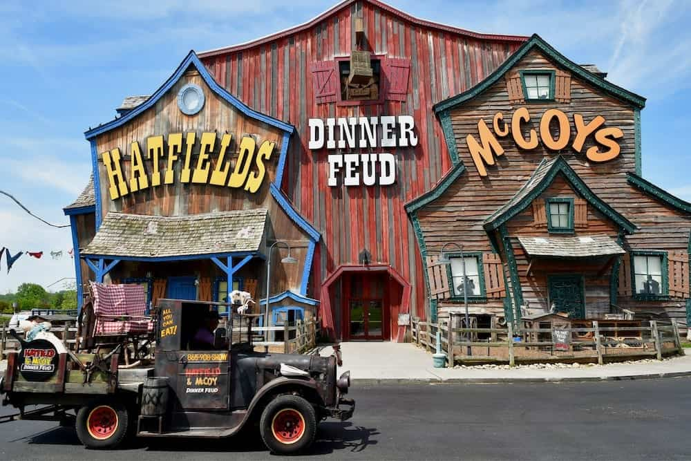 5 Pigeon Forge Shows Your Whole Family Will Love