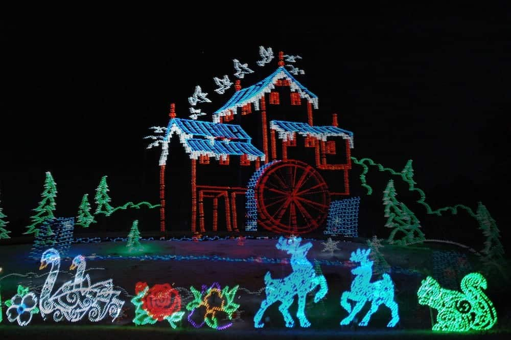 Winterfest in Pigeon Forge Brings Winter Magic to the Smokies