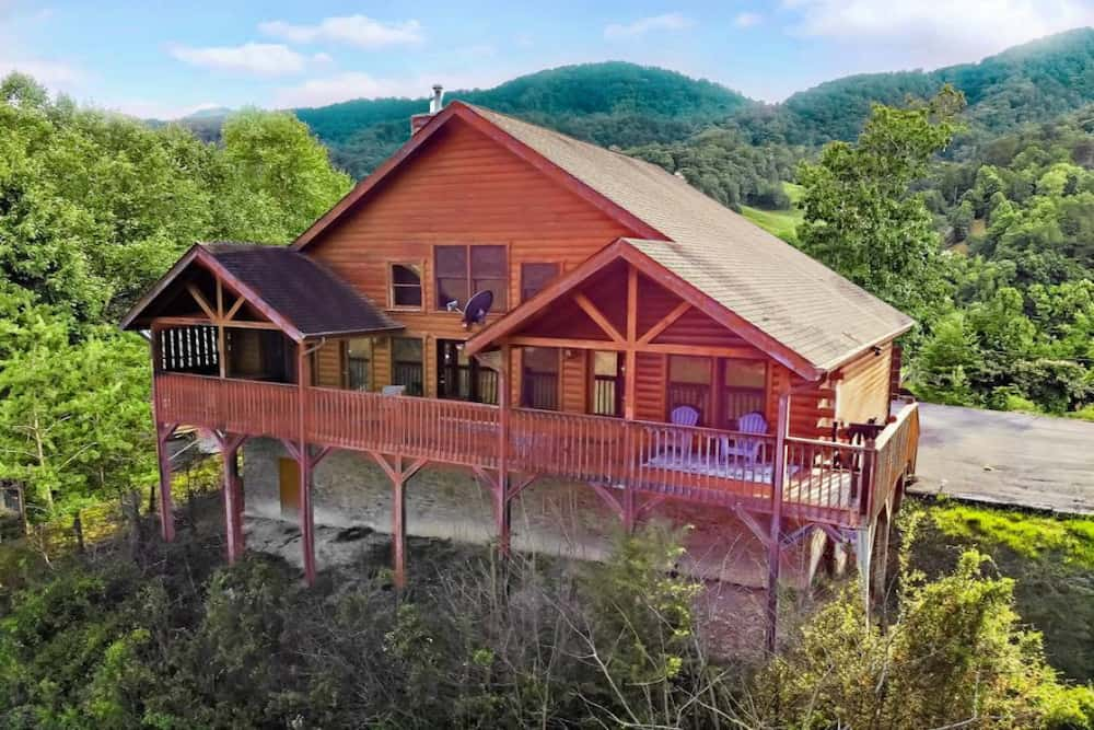 4 Things Groups Love About Our Large Cabins in the Smoky Mountains
